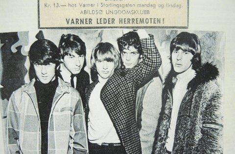 The Yardbirds spilte på «Kassa»: Etterpå ble de fraktet i en Opel Kadett til et nachspiel på Oppsal. Jimmy Page i midten. Foto: Utlånt av Knut Auraas
