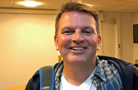 ÆRLIGE SVAR: TILs nye daglige leder Kristian Høydal er gjest i en rykende fersk utgave av fotballpodkasten JoMos Kosmos.