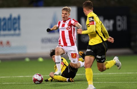 KJEMPESJANSE: Mikael Norø Ingebrigtsen kunne sendt TIL i ledelsen mot Raufoss etter bare noen få minutter.