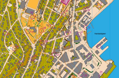 HARSTAD: Harstad er det nordliste stedet du kan jakte stolper i år. Her ser du hvor noen av dem er plassert.   FOTO:  /