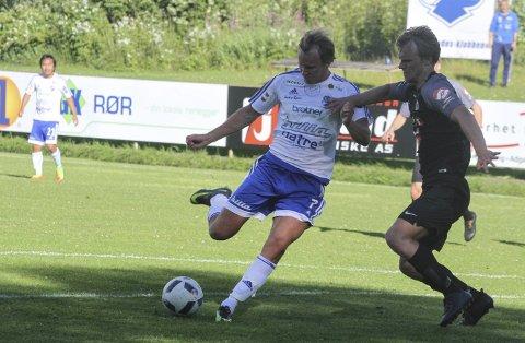 Scoret: Tor Håkon Sveen scoret målene for Redalen mot Lokomotiv Oslo, men mente laget burde hatt tre poeng. Foto: Henrik Hornnæss