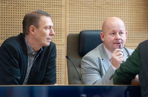 ENIGE: Akuttsykehus i Elverum er nøkkelen for å få hovedsykehuset til Mjøsbrua, mener både rådmann Magnus Mathisen (t.v.) og ordfører Torvild Sveen. Det samme gjør flertallet i Gjøvik kommunestyre