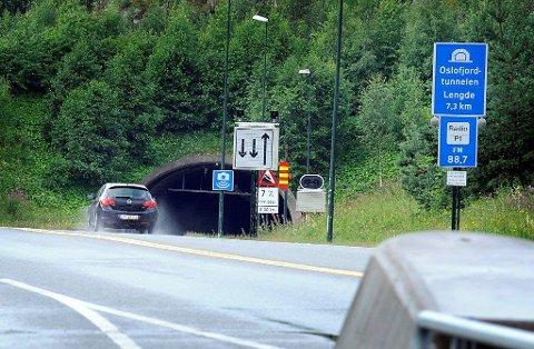 SÅ IKKE SKILTENE: Sjåføren nektet å erkjenne straffskyld fordi hun mente at skiltene som fortalte at det var 50-sone idet hun kom ut av Oslofjordtunnelen på Frogn-siden, var satt opp slik at de var vanskelige å se.