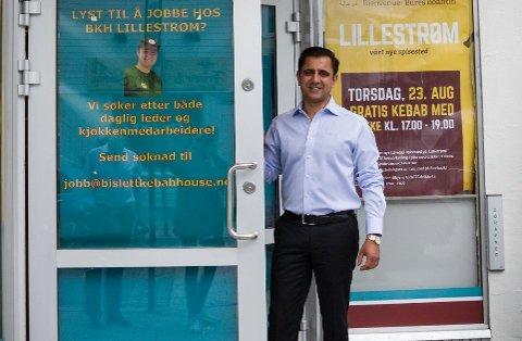 7-8 ANSATTE: Tariq Aziz sier at planen er at et team på 7 - 8 personer skal jobbe ved restauranten på Vinterbro. Her er Aziz fotografert i forbindelse med åpningen av avdelingen på Lillestrøm.