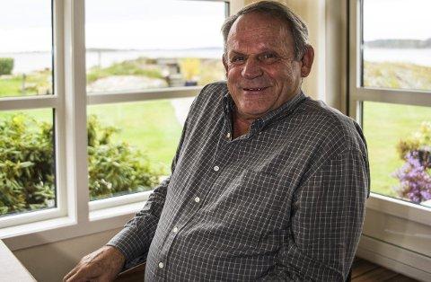 Hopper i havet: Løft Larvik-general Nils Røsholt blir med, og utfordrer også politikerne i kommunestyret. Arkivfoto: Nils-Erik Kvamme