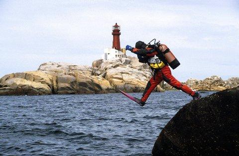DYKKING. Svenner er et favorittområde for sportsdykkere, et eventyrland under vann sies det. Foto: Ivar Hovland.