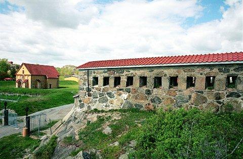 KORNTIN har navn etter den franske betegnelsen på skyteskårene ved den søndre inngangen til Fredriksvern Verft.