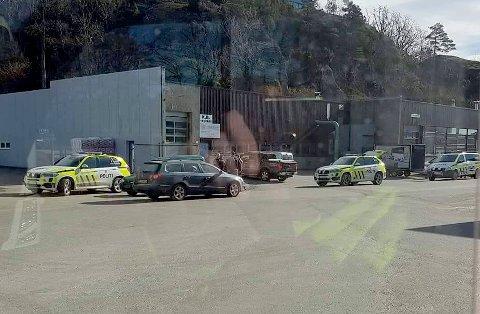 Her blir de to mennene pågrepet på Heggdal