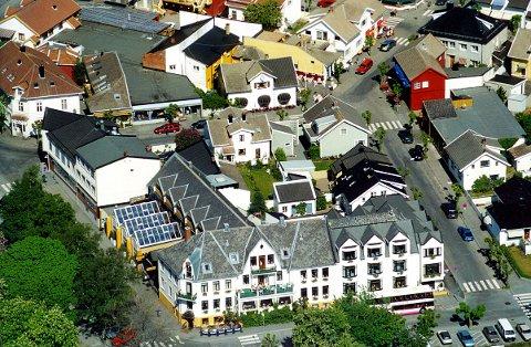 WASSILIOFF HOTEL er en sentral og kjent institusjon i Stavern. Foto: Bjørn Jakobsen.