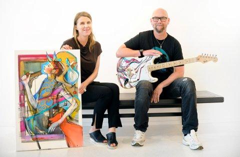 TAROT: Billedkunstner Verena Waddell og musiker Anders Buaas er klare for å vise fram et spennende samarbeid på Galleri Bølgen. Sammen presenterer de konseptet «Tarot» med konsert og ny plate fra Buaas, og live-maling og utstilling av Verenas malerier.