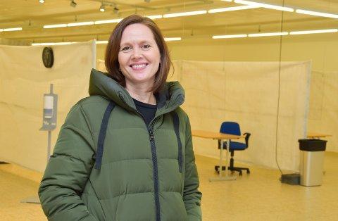 FORNØYD: Vaksinekoordinator i Elverum, Jessica Blomsterlund, er godt fornøyd med å få flere vaksinedoser enn forventet neste uke.