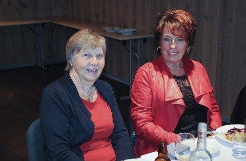 Siri Gry Engholmen og Else-Gunn Bakkerud feiret at det er 10 år siden deres kamp for vanntreningstilbudet ble kronet med hell. Kampen deres var den direkte årsaken til dagens Friskvern i Skjærgårdshallen.
