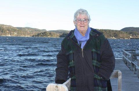 Turid Berg bor i vannkanten på Setre i Brevik. Hun vil ha lokale regler med 400-metersgrense utpå sjøen for bruk av vannscootere i Porsgrunn kommune. Særlig her på Eidangerfjorden er det plagsom støy fra vannscootere som kjører fram og tilbake om sommeren.