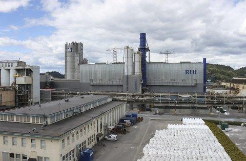 RHI Normag skal ha sagt opp alle sine 103 ansatte på Herøya.