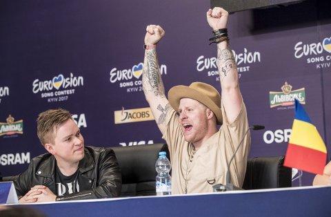 Aleksander Walmann går fra begivenhet til begivenhet i 2017. Etter å ha vunnet den norske MGP-finalen med Jowst, kom han på 10. plass i Eurovision Song Contest for seks uker siden. Nå skal han opptre på VG-lista. Her er Walmann og Jowst i Kiev under Eurovision.