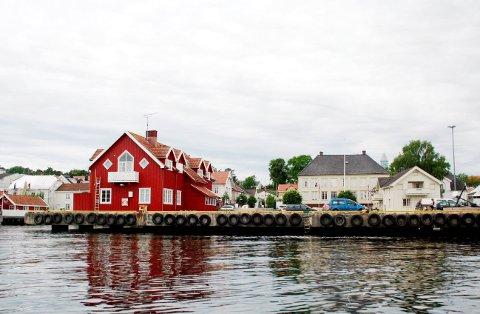 IKKE AVGJORT: Grenland Havn har ikke avgjort hva som skjer med losstasjonen dersom kommunen ikke vil være med og drifte bygget videre. Saken er til endelig politisk behandling i kommunestyret 1. november.