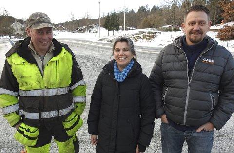 Tror de ordner det: Jarle Westgård, Astrid Halvorsen og Jan Egil Rørholt tror Nye Veier sørger for gang og sykkelsti langs den nye fylkesveien fra Langrønningen til Dørdal. – I 2018 bør det ikke være nødvendig å mase om slike ting, er de skjønt enige om.