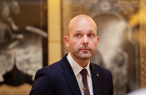 Ordfører Sindre Martinsen og hans kollegaer på rådhuset skal nå gå gjennom henleggelsen for å se om det er grunnlag for å påklage avgjørelsen.