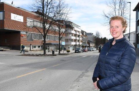 Vurderer karriereskifte: Connie Lium Selmo er utdannet geolog. Nå ønsker hun å satse på bokhandel i Moelv.