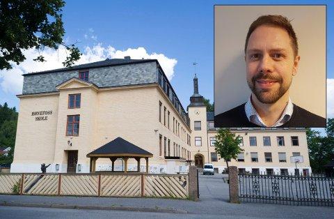 OMKAMP: - Hønefoss skole ligger i byens indrefilet, sier Simen Strøm.
