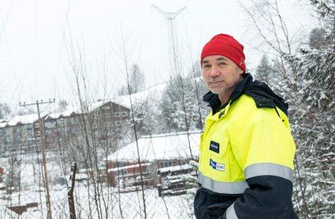 RYKKER UT: – Dager med tung snø har gitt oss noen utfordringer, sier leder for driftssentral og beredskap i Ringerikskraft, Morten Sjaamo.