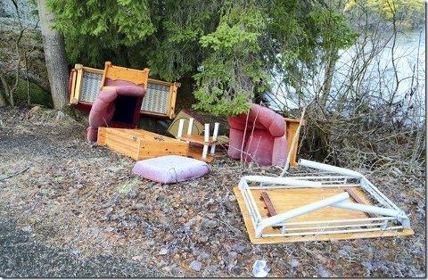 RYDDET: Møblene og annet søppel som var hensatt ved Mørkvann er nå fjernet av Viva.