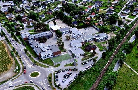 ADVARER: Noen går rundt i nærområdene på Hafslund, Borgen og Navestad, hvor de utgir seg for å være fra Ha-Bo-Na-korpset. De forsøker å samle inn flaskepant.