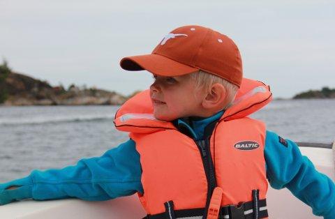 Fra 1. mai ble det påbudt å bruke redningsvest i fritidsbåt, men ikke for alle og ikke under alle forhold.