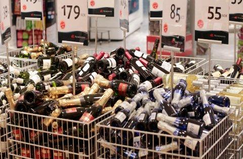 GARDERMOEN  20150128. Tax free butikkene på Gardermoen. Vin. Foto: Lise Åserud / NTB scanpix
