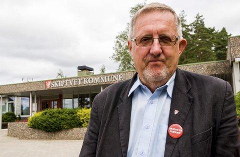 Må gå nye veier: Ordfører Svein Olav Agnalt (Ap) får en stri jobb fremover.