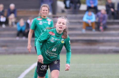 TYNT: Ingrid Jåstad er éin av totalt seks spelarar som Kaupanger må klara seg utan i haustsesongen. - Me må ha tru på dei som er att her. Men det er ikkje lett når me må byggja eit nytt lag kvart halvår, seier trenar Øystein Lindesteg Rinde.
