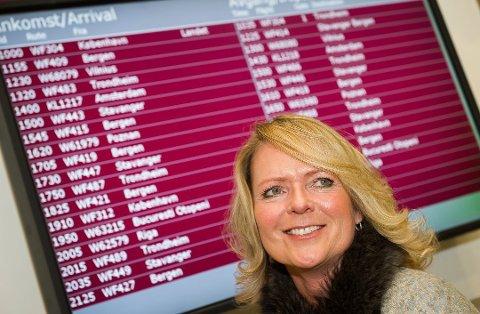 MYE Å PASSE PÅ: Vi surrer mer med bagasjen i jula enn ellers. Markedssjef Tine Kleive-Mathisen på Torp lufthavn forteller at det blir gjenglemt mye rart. Foto: ATLE MOLLER