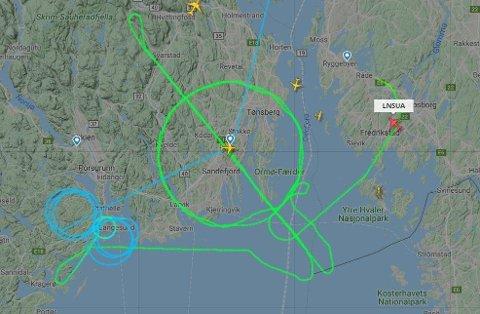 RUNDT OG RUNDT: Et fly drev treningsflygning over Vestfold og Telemark. Foto: Skjermdump Fligtradar24.com