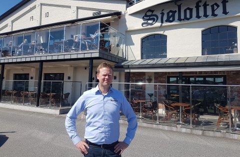 Kristian Bull Varn driver familierestauranten ved brygga, som kan skilte med høyere omsetning enn de fleste i bransjen i Grenland.
