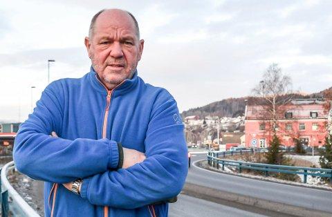 IRRITERT: Borgar Løberg (SV)var tydelig irritert over at interpellasjonen hans om sentrum igjen ble utsatt.