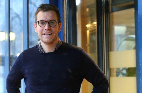 Nofima-forskeren Florent Govaerts tror nedgangen av norsk lakseeksport skyldes negative skriverier.