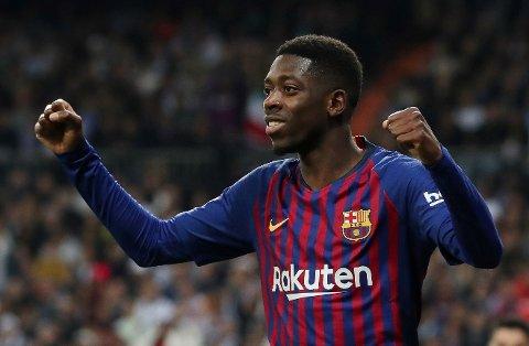 Barcelonas franske spiss Ousmane Dembélé spiller trolig ikke mot Solskjær og Manchester United førstkommende onsdag i mesterligakampen. Her feirer 21-åringen Barcelonas andre mål mot Real Madrid på Santiago Bernabeu da lagene møttes 27. februar i den spanske cupen.