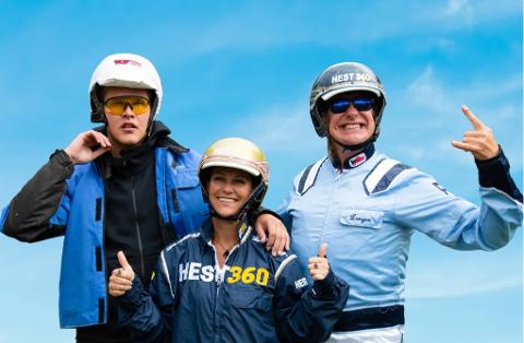 MØTTE MÄRTHA: Vegard Harm (til venstre), prinsesse Märtha Louise og Alex Rosén foran Hest360-løpet.