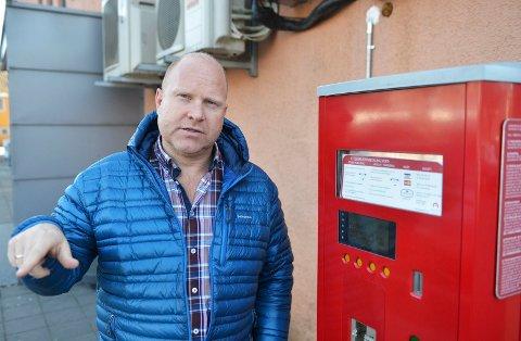FORNØYD: Andreas Evensen, daglig leder i Micasa parkering, er glad for å kunne betale tilbake kontantstøtten.