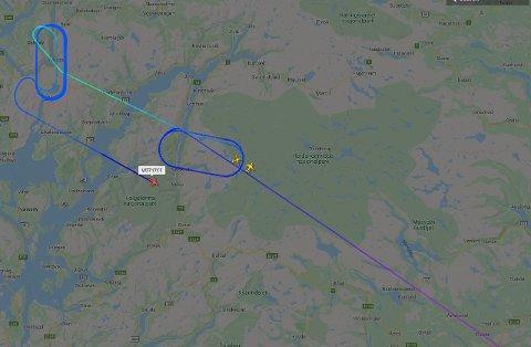 Widerøe og Sas, på vei fra Sandefjord og Oslo til Torp, sirkler over Hardangervidda i håp om at snøværet skal gi seg. Wizz Air ble omdirigert til Torp etter å ha sirklet over Bergen i lange tider.