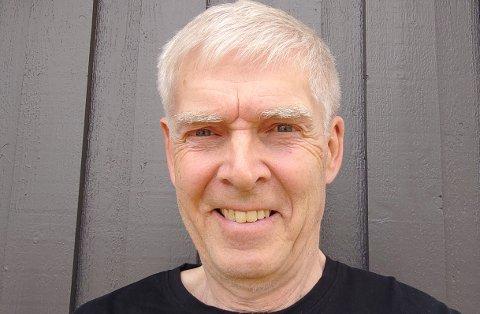 ENGASJERT: Arild Hansen har fortsatt som natteravn på Raufoss også etter at barna hans flyttet.