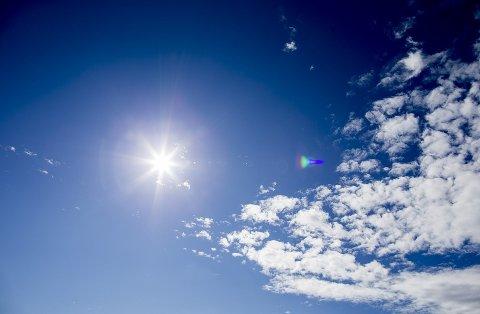 VARME DAGER: Gjennom hele uken melder meteorologen om temperaturer over 20 grader.