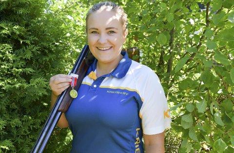 Talentfull: Veronica Lilleødegård har vært glad i å skyte lenge, men nå kommer de virkelig gode resultatene.Foto: Anne Dehli