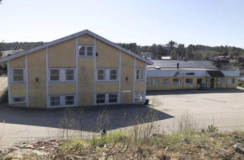 Leiligheter? Hva som skjer med eiendommen i Klisund er uvisst. Om det rives og bygges leiligheter, eller om det kommer inn ny næring på stedet er ikke bestemt. Foto: Siri Fossing