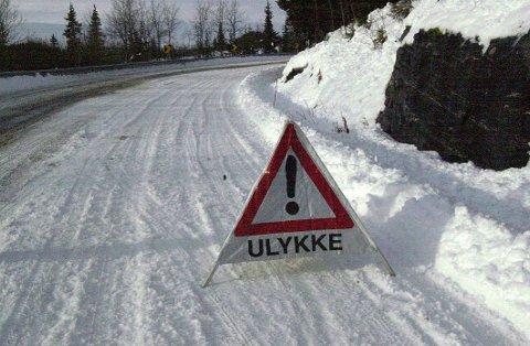 Går ned: Antal dødsulykker i trafikken går ned, men i vinter vart ein 25-åring drepen etter kollisjon med eit vogntog i Tonsåslinna.