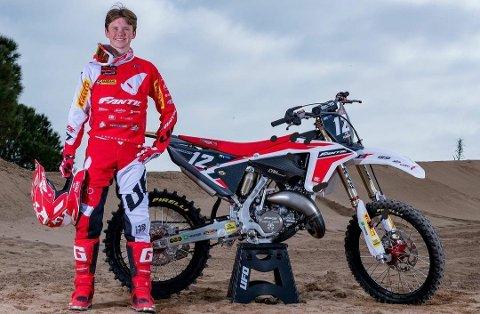 VANT I ITALIA: Håkon Østerhagen vant tre av seks løp i motocross i Italia.