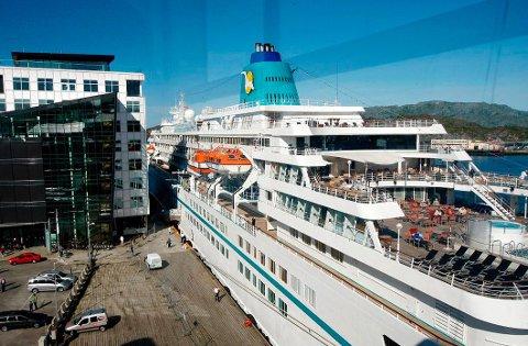 Cruiseturistene har sørget for mange penger i kassa i Bodø sentrum. Nå får de også en ny butikk i sentrum som garantert faller i smak.