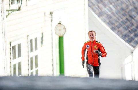 Her er Eli Anne Dvergsdal da BA laget sak på henne i slutten av april. Da hadde hun vunnet ni av de ti løpene hun hadde stilt opp i den våren. Siden ble det verre, og på høsten løp hun lenge med et brudd i leggen!