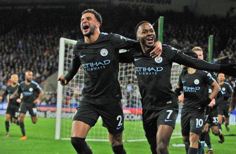 Manchester City og Raheem Sterling (t.h.) suser videre mot ligatittelen i Premier League.