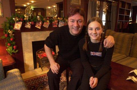 """Tor Endresen og datteren Anne-Sophie i 2001 da de ga ut """"Julen i våre hjerter""""."""